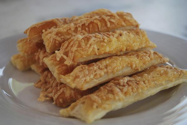 Faire Une Cuisine Seul : Allumettes de fromage cuisine ta mère