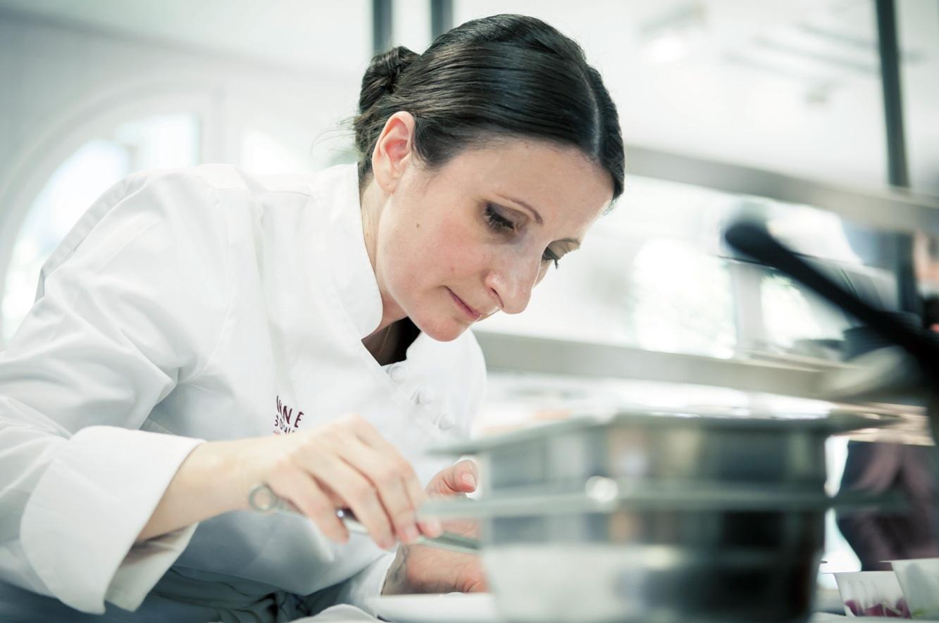 Les cheffes cuisiniers la gastronomie au f minin for Au feminin cuisine
