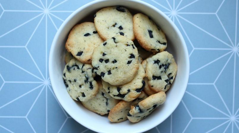 biscuits-sale-olive-mt8e5rzoocwm6l93nycrgtadoahh3c9mhksjq6xec4