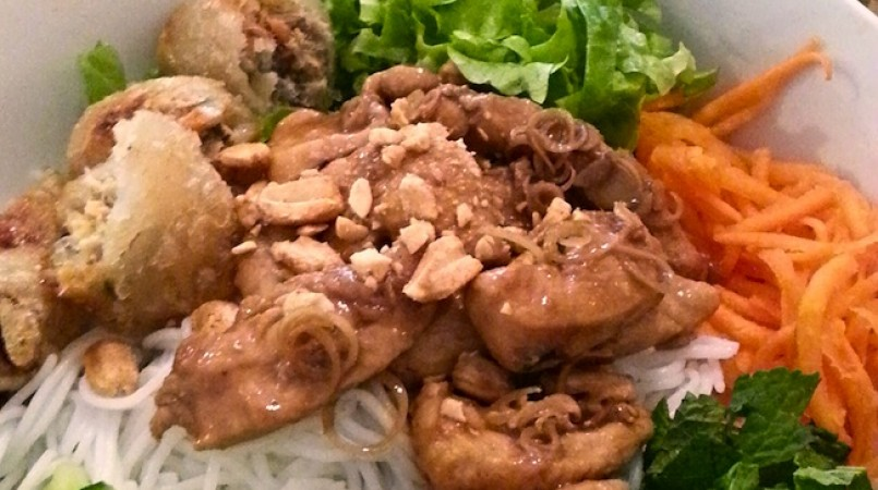 bo-bun-poulet-mrzaiuwsa205ugh1z8117p6czjmhpw65ke14joorf8