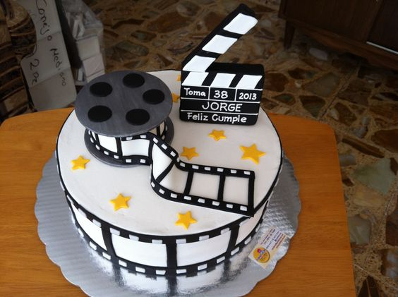 cannes-movie-cake