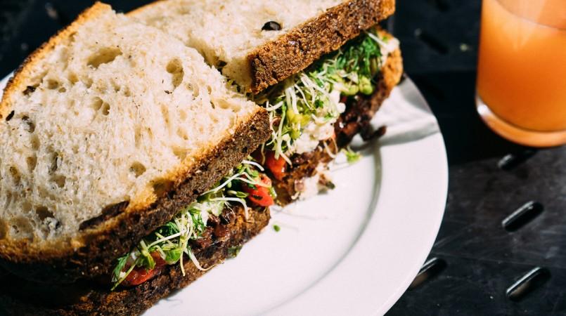 club-sadwich-ms0zpx32f5tt8oelniad7rj3et0qja61siy5aq6rx0