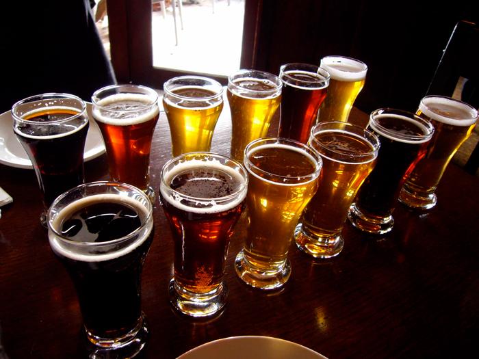 consommateurs-biere-france-normandie-1