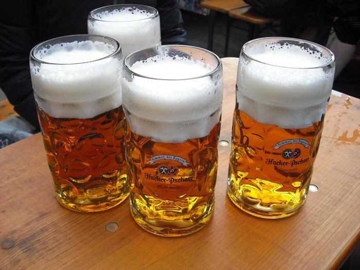 consommateurs-biere-france-normandie-2