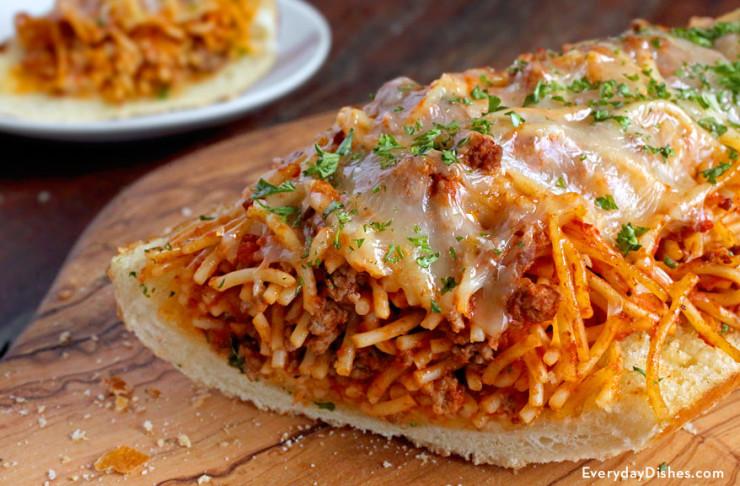 garlic-bread-spaghetti-sandwich-everydaydishes_com-H-740x486