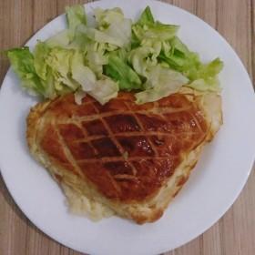 Feuilletés fourrés à la mozzarella, aux deux jambons et à la purée au paprika