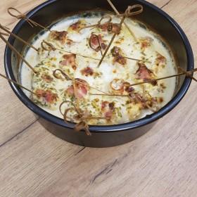 Brochettes de poulet au bacon et sauce tartare