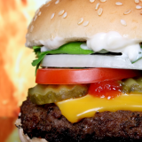 C'est la science qui le dit : il vaut mieux manger deux burgers qu'un burger et des frites