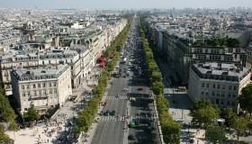 Des cafés gratuits sur les Champs Elysées !