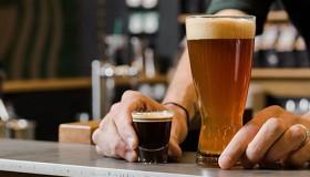 Starbucks invente une nouvelle boisson au café et… à la bière !