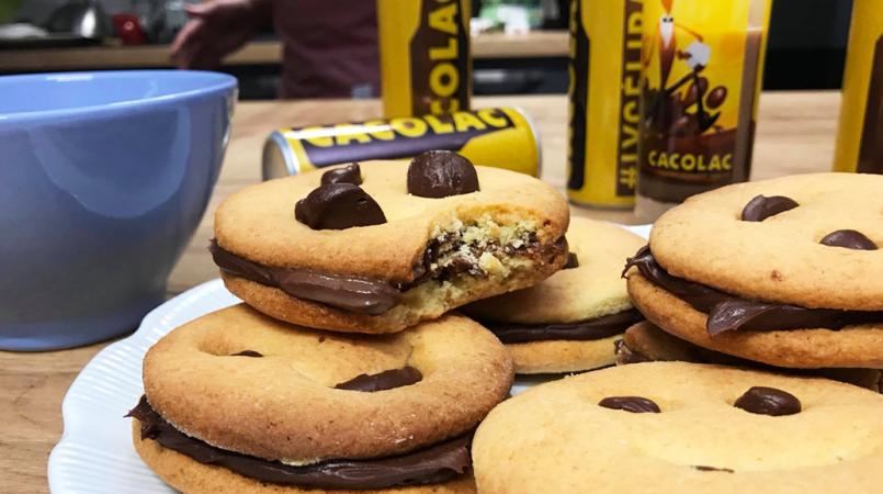 Les biscuits au chocolat à tremper CACOLAC