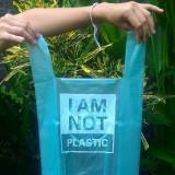 Des sacs en manioc solubles pour sauver les océans !