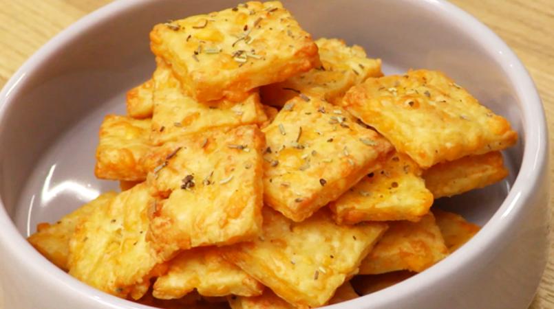 Crackers apéritifs au cheddar