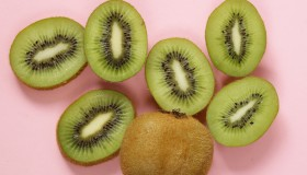 Un fruit antioxydant & riche en vitamine C ? J'appelle le Kiwi !