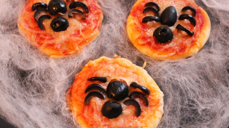 Mini-pizza momie et araignée