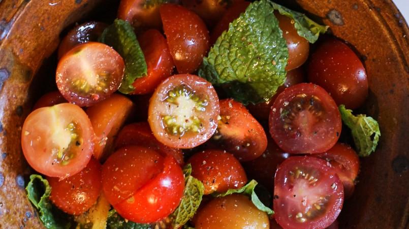 Tomates cerise à la menthe