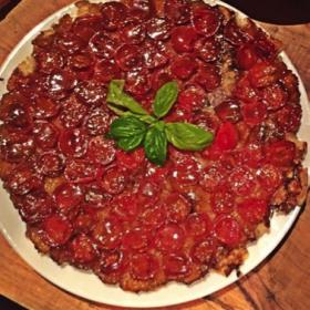 Tarte tatin de tomates cerises à la crème de balsamique