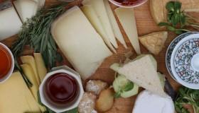 Il ne faudrait pas boire de vin avec son fromage !