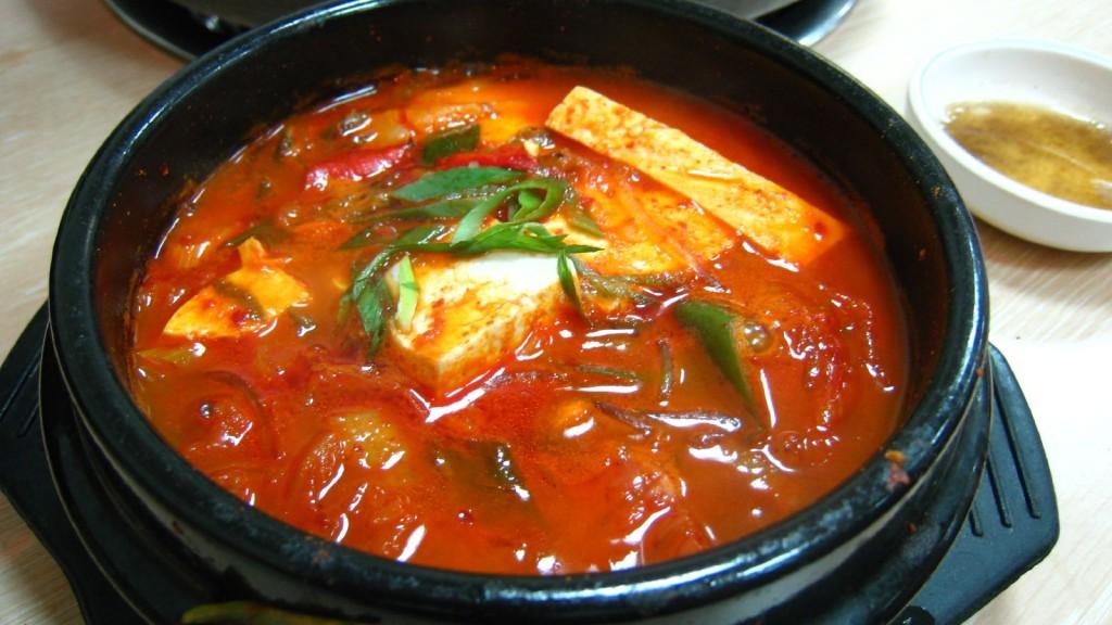 kimchi-jjigae