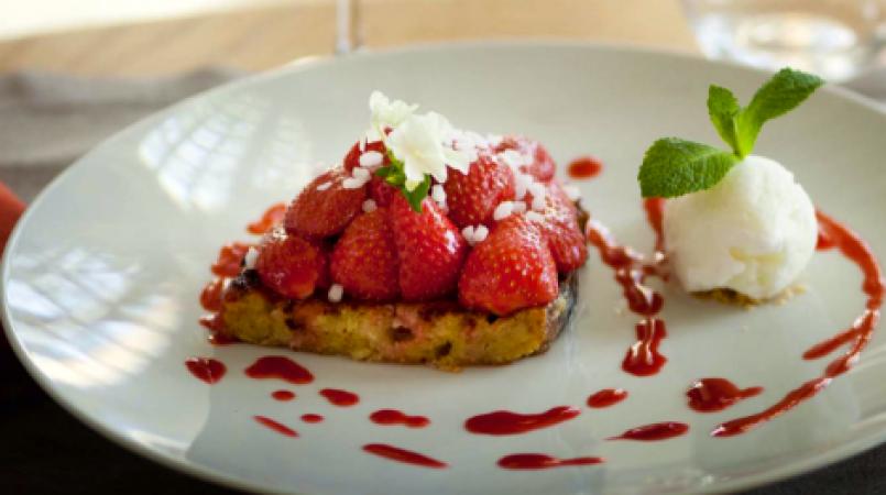 Pain-perdu-fraises-CDVF-470-wplok-ma39ol0wml840odjptjtqaqjiqb00pk1lagm6owf6c