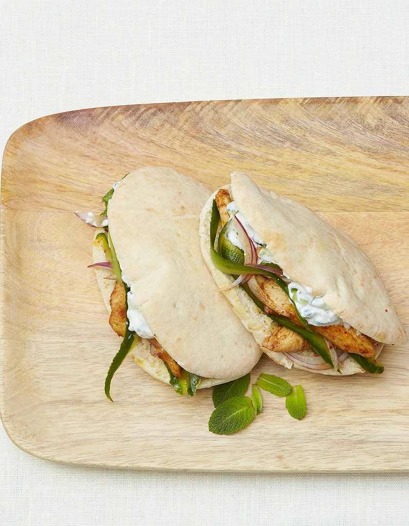 pitas-au-poulet-sauce-concombre