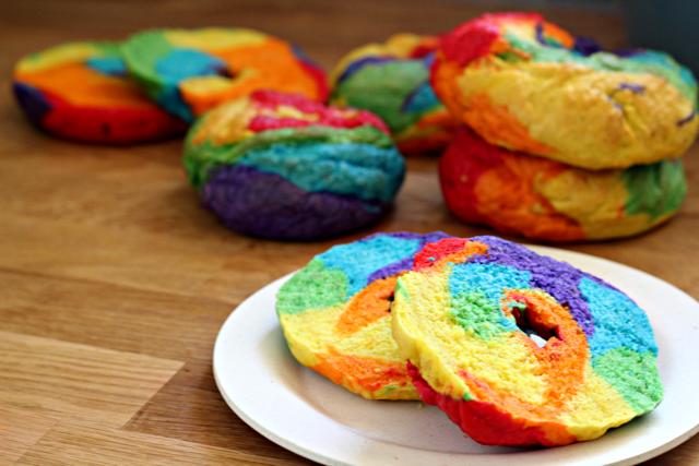 Rainbow-Bagels-14