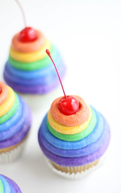 SprinkleBakes Roy G Biv Rainbow Cupcakes 2